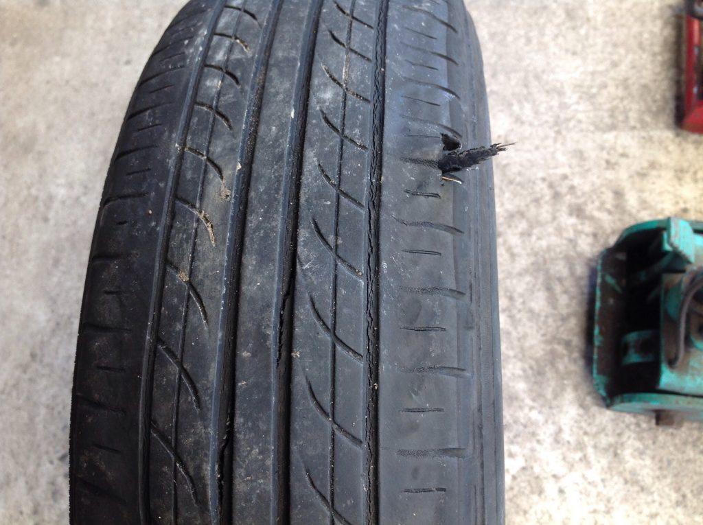 タイヤがバーストしました。